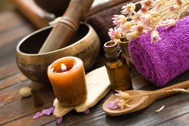 Use the power of aromatherapy to relax in your spa