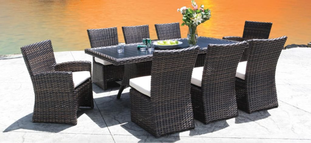 Wicker patio furniture clean and new